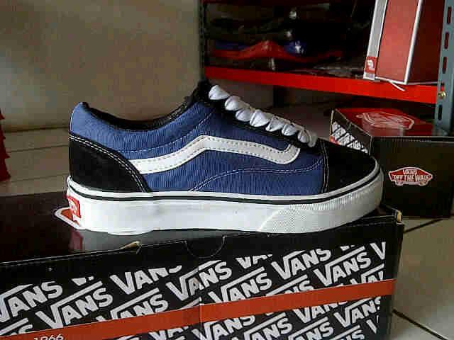 vans old skool blue black